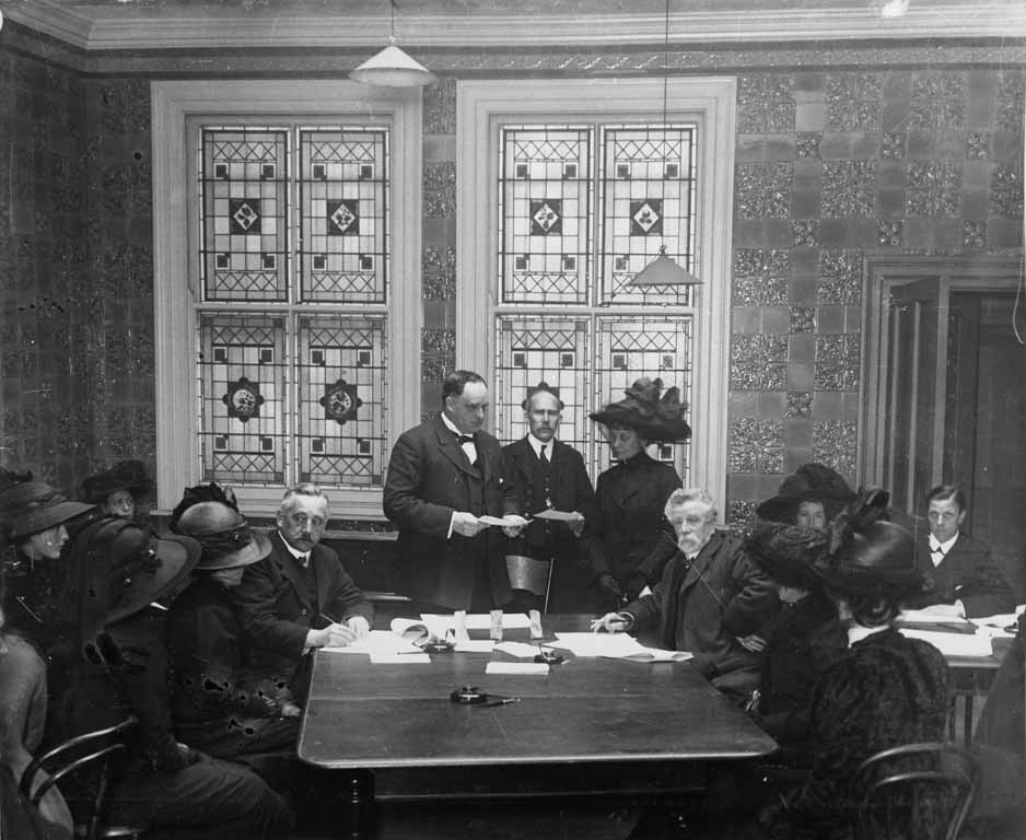 Southampton's Mayor Bowyer distributing relief to Titanic widows