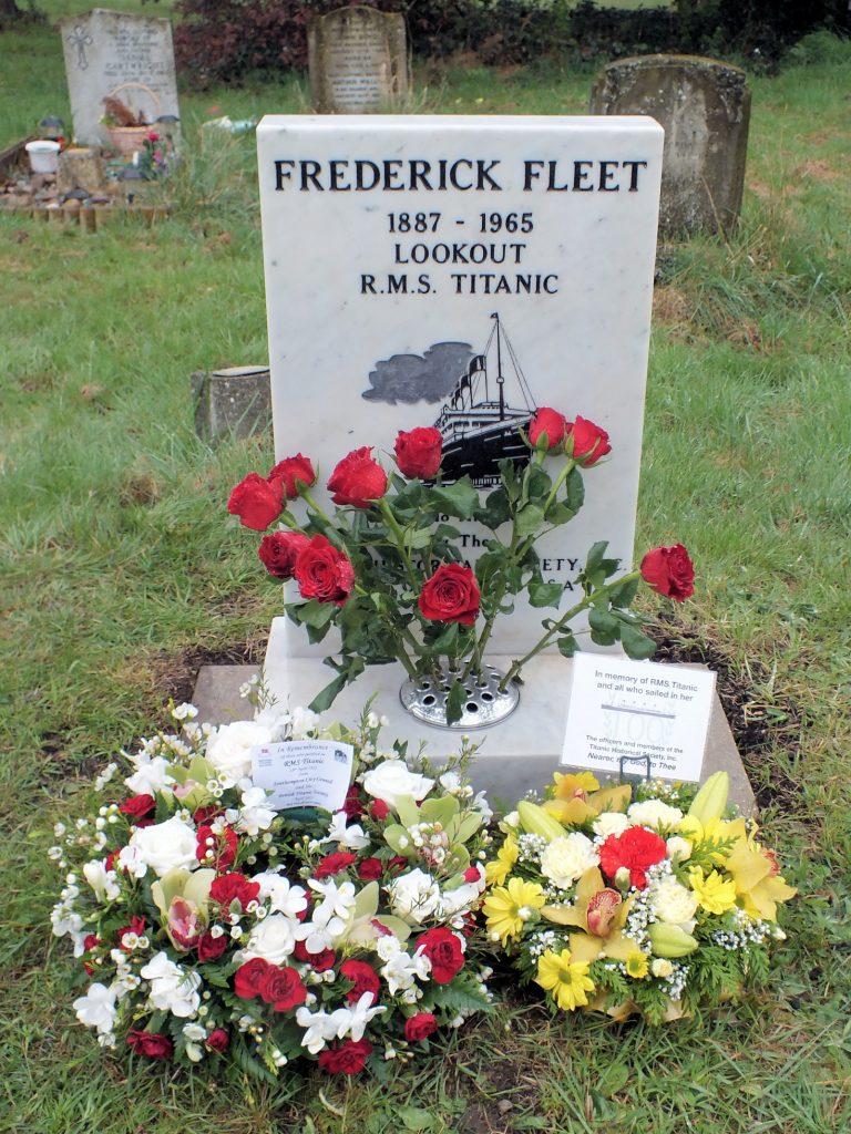 Frederick Fleet's grave with wreaths